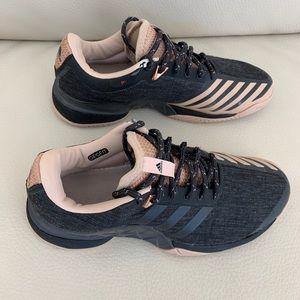 Women's Adidas barricade tennis shoe size 8